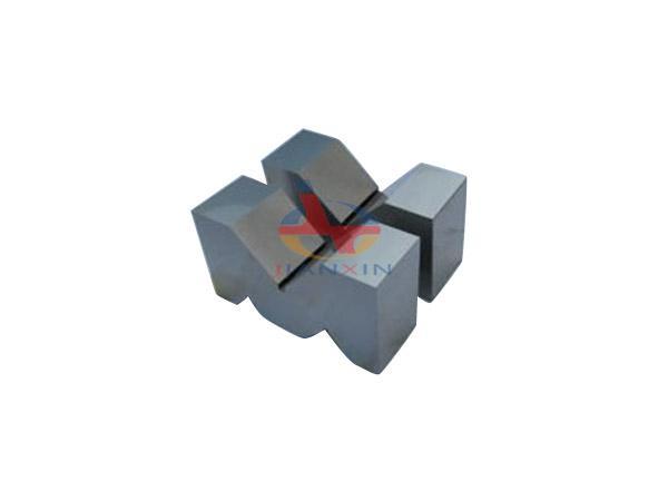 Cast Iron V-block